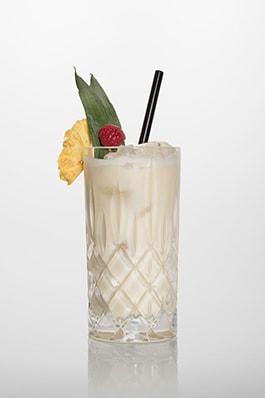Pina Colada: Rum, Sahne, Kokossirup, Ananassaft.