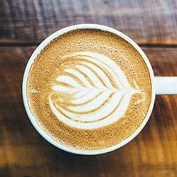 Café & Latte Art Service bieten wir Ihnen ein authentisches und französisches Genusserlebnis mit all den dazugehörigen Annehmlichkeiten.