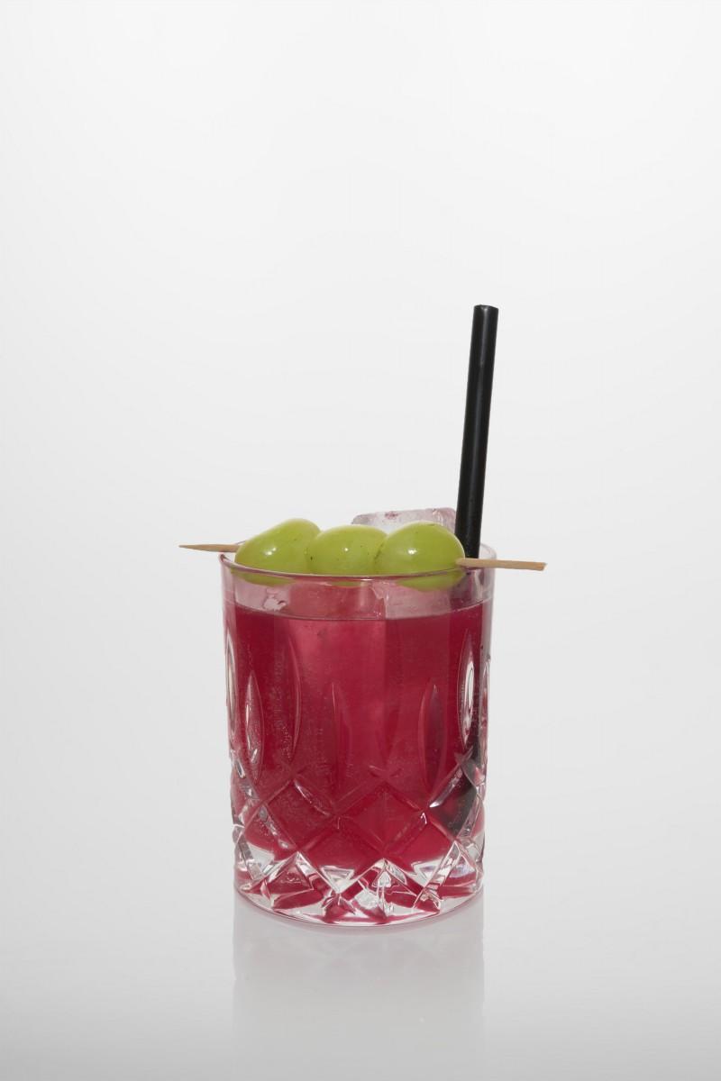 Hemingway Sour: Gin, Grenadine, Zitronensaft.